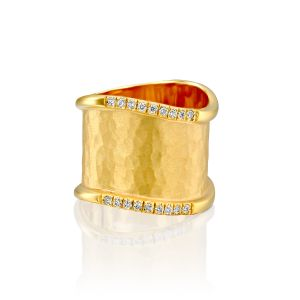 Textured Wavy Gold Ring With Diamonds