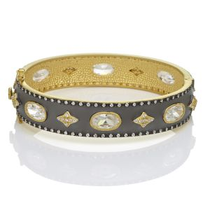 Signature Oh So Gorgeous Wide Hinge Bangle